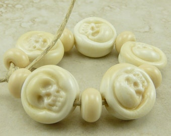 Them Bones > Ivory Skull Skeleton Beads Petite Lentil Lampwork Bead Set Day of the Dead Halloween Goth Gothic - SRA - I ship Internationally