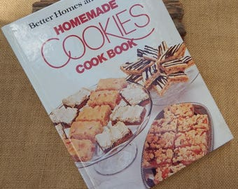 Homemade Cookies Cook Book  ~  Better Homes and Gardens Homemade Cookies Cook Book Copyright 1975