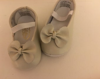 Sz. 1 Leather Ballet Style Baby Shoes NOS