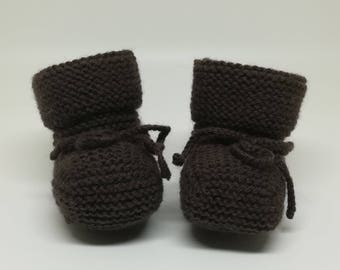 Chocolate woolen slippers / / knit baby booties