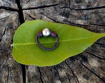 Tahitian pearl, woman ring, leather, australian leather