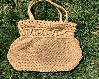 60s/70s vintage raffia handbag with top zipper