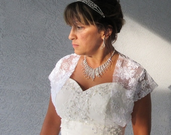 Bridal Wedding Bolero Shrug David Tutera White Mesh Fabric Ribbon Rose And Sequins