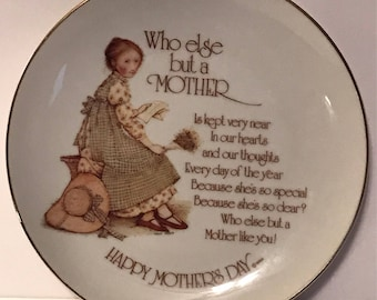 Holly Hobbie Plate Happy Mother's Day Commemorative Edition Porcelain plate Who Else But A Mother 1976