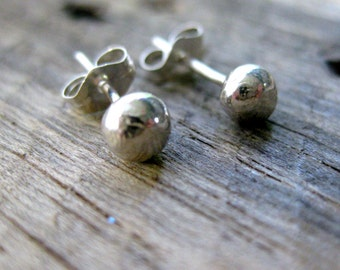 Fine Silver Dot Earrings // Silver Studs // Fine Silver // Recycled Silver // Eco Friendly // PMC // Minimalist // Delicate // Everyday Wear