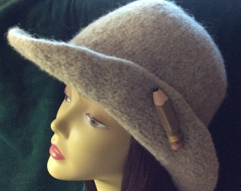 Beige felted hat
