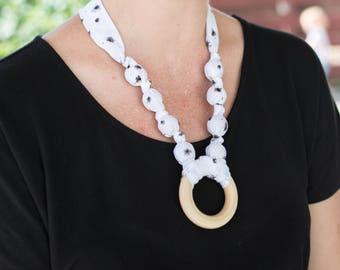 Fabric teething necklace - New mom  - Organic teething necklace for mom - Organic teething ring necklace - Nursing necklace - Breastfeeding