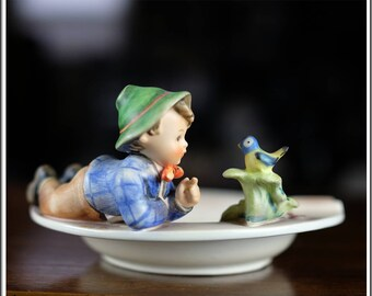 "Vintage Hummel Figurine 6.25"" HUM #166 "" Boy with Bird "" FM 6 Ashtray TMK-3"