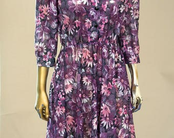 1980s Polyester Button up Day dress. Floral Print.