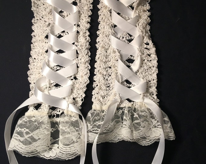 Lacy Crocheted Fingerless Gloves-Wedding gloves-Party accessories-Victorian-Womens Gloves