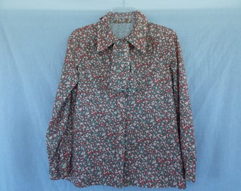 Polyester vintage 1970's 1960's button up top, with pointed collar