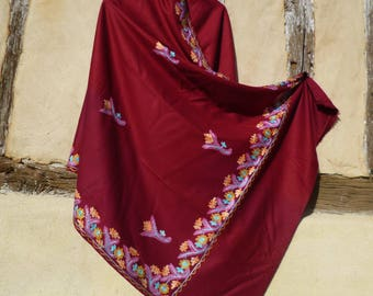 """SALE: Gorgeous  Embroidered Pashmina. 100%  wool shawl/stole. Cherry Red. 84 x 40"""". Kashmir. 214 x 102 cm"""