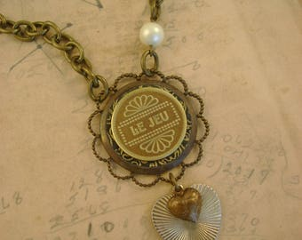 """The Player - Vintage French Canadian """"Le Jeu"""" Gaming Arcade Token, Vintage Heart Recycled Repurposed Necklace"""