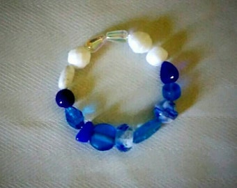 Blue and white Czech glass anklet, bracelet, stretch, 6 inches wedding Beach jewelry