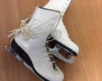 Women's Vintage White Leather Ice Skates 9