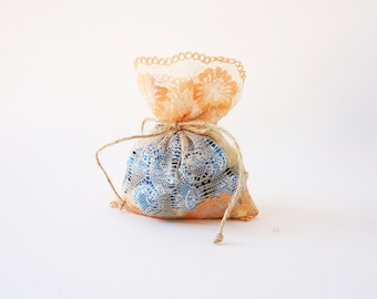 Orange lace wedding favor bags x 50 / vintage style wedding favor rustic wedding favor/ barn weddings / beach weddings/ baby shower