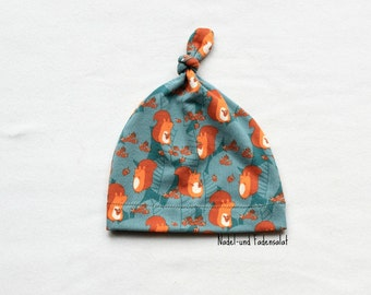 Newborn Hat, Baby Gift, Baby knotted Hat, Baby Hat with small Squirrels, Gender neutral Baby Hat