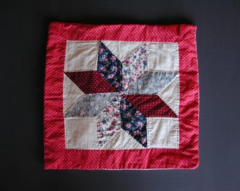 A Patchwork Star Pattern Cushion Cover
