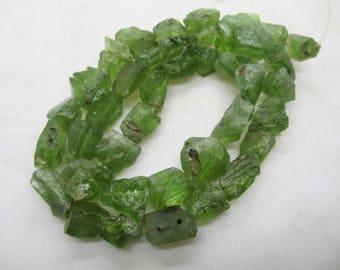 "16"" Hammer Cut Top Apple green Color  Natural Peridot Olivine Forestrite Beads Strand Pakistan PE87"