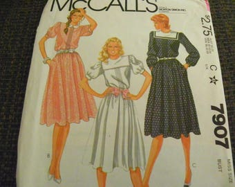 Vintage Sewing Pattern - McCall's 7907 - Misses' Dress - Size 10, 32 1/2