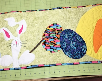 Easter Table Runner/Easter Bunny Quilt/Wall Hanging/Colorful Easter Egg Quilt/Easter Wall Art/Spring Home Decor/Easter Housewarming Gift/Art