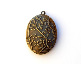 Bronze Locket, 2pcs, Photo Locket, Floral, Antique Bronze, Destash