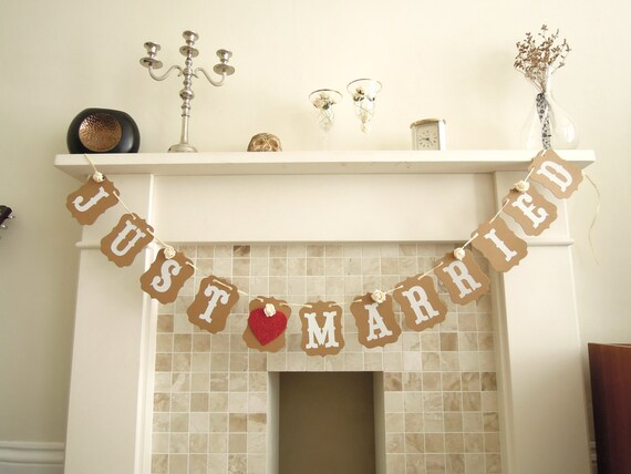 Just married bunting, Wedding decoration, Just married garland, Just married sign, Wedding banner, Just hitched sign. UK Seller