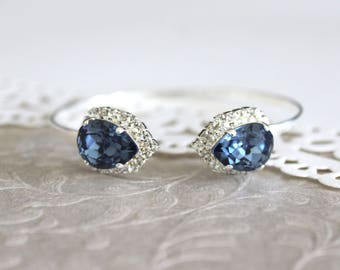Navy blue bracelet, Silver Bridal bracelet, Bridal jewelry, Bangle bracelet, Swarovski crystal, Teardrop crystal, Bridesmaid bracelet