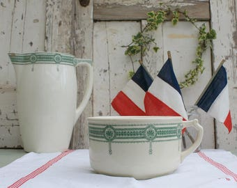 Antique Chamber Pot / Chamber Pot / vintage chamber pot / antique ironstone / Farmhouse decor / French Ironstone / French Transferware