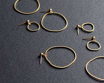 Gold hoop earrings mismatched earrings asymmetrical earring brass jewelry small large dainty hoops minimal circle earrings - Topo Earrings 5