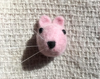 needle felted pink mouse brooch / push pin