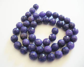 47 beads of jade has faceted 8 mm