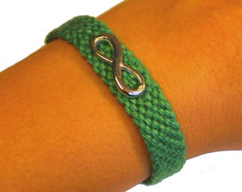 "Cuff friendship bracelet, model ""Infinity"", green"