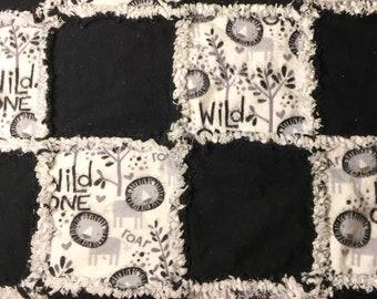 baby quilt, rag quilt, black and white, gender neutral newborn gift baby gift, Wild One