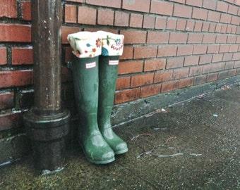 Boot Cuffs SLUGS Fleece Rain Boot Liners Cream Floral Cuff, Fall Winter Fashion, Leg Warmers, Boot Inserts, Boot Sock (Med/Lg 9-11 Boot)