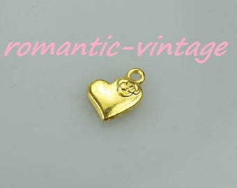10 charms, pink and full hearts embossed 15 * 3mm
