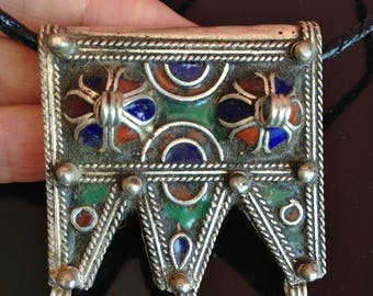 Berber Enamel Prayerbox Amulet with Filigrein incl. Leather Cord