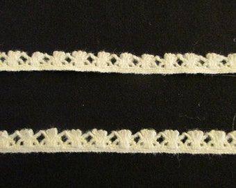 """White/Off white  1/2"""" wide 10 yard length Lace Trim"""