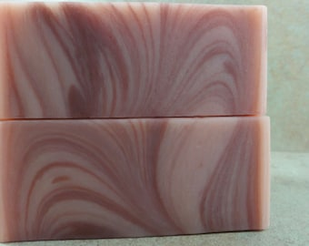 Razzouli - Handmade Soap - Raspberry Puree, Ruby Red Grapefruit, Dark Patchouli