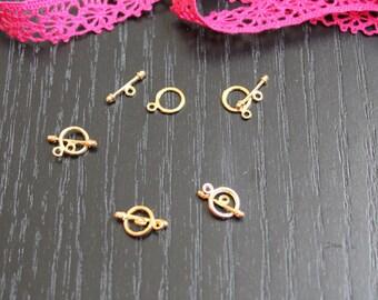 4 bracelet gold tone toggle clasps