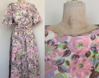 1980's Floral Cotton Print Dress Size Medium Large XL by Maeberry Vintage