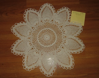 Hand Crocheted 10 Point Pineapple Doily