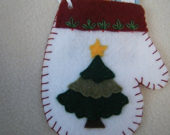 Christmas Tree White Felt Mitten Ornament/Gift Card Holder - HANDMADE BY ME