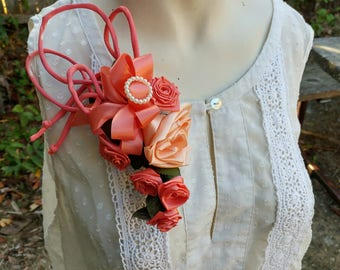 Vintage Corsage or Hair Fascinator // Peach 50s - 60s Hair Accessory // Retro Prom or Formal Corsage Pin