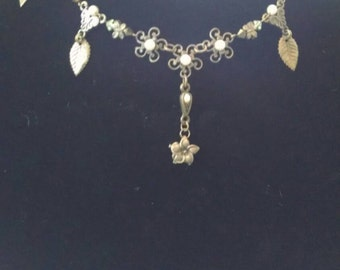 Vintage floral ethereal necklace