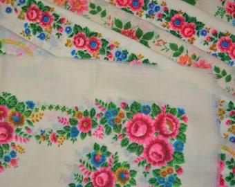 HUGE lot of 23 vintage wool shawls, Cream floral wool shawls, Floral scarves with HOLES, fabric for DIY, babushka shawls, russian scarf