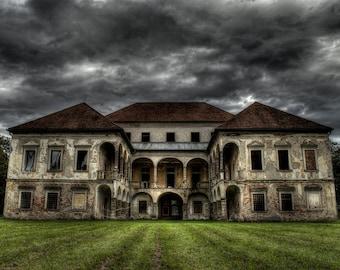 Abandoned mansion, urban exploration, urbex