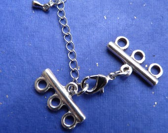1 MULTISTRAND necklace in silver metal clasp