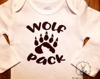 Wolf Pack Onesie, Baby Gift, Baby Shower, Infant Clothing, Baby Clothing, Wolf, Animal Onesie