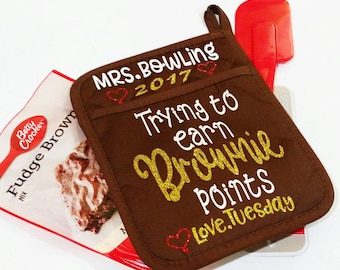 """Personalized Teacher Gift-Pot Holder-Neoprene-""""Trying to earn brownie points""""-Brownie Mix-Names-Name-Year-Custom-Gift-Teacher-Free Gift Wrap"""